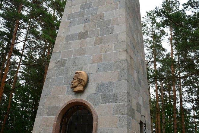 """J.Biliūno kapas – """"Laimės žiburys"""""""